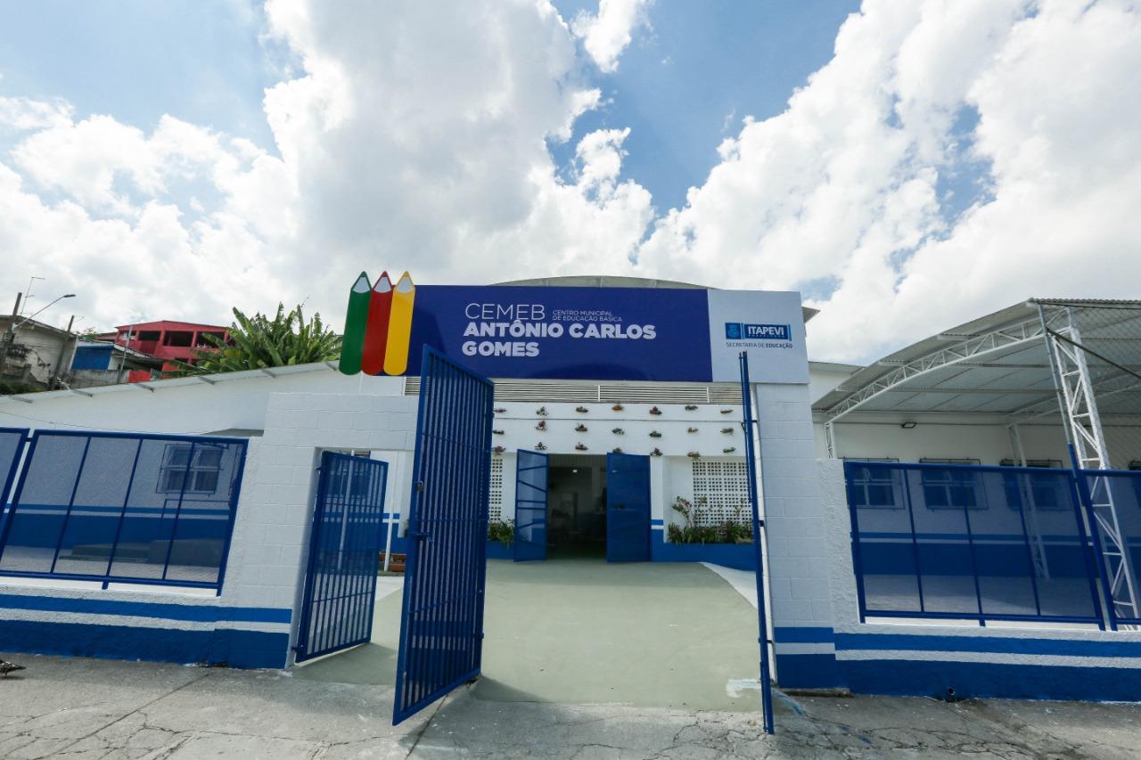 Prefeitura entrega duas escolas reformadas no Jardim São Luiz