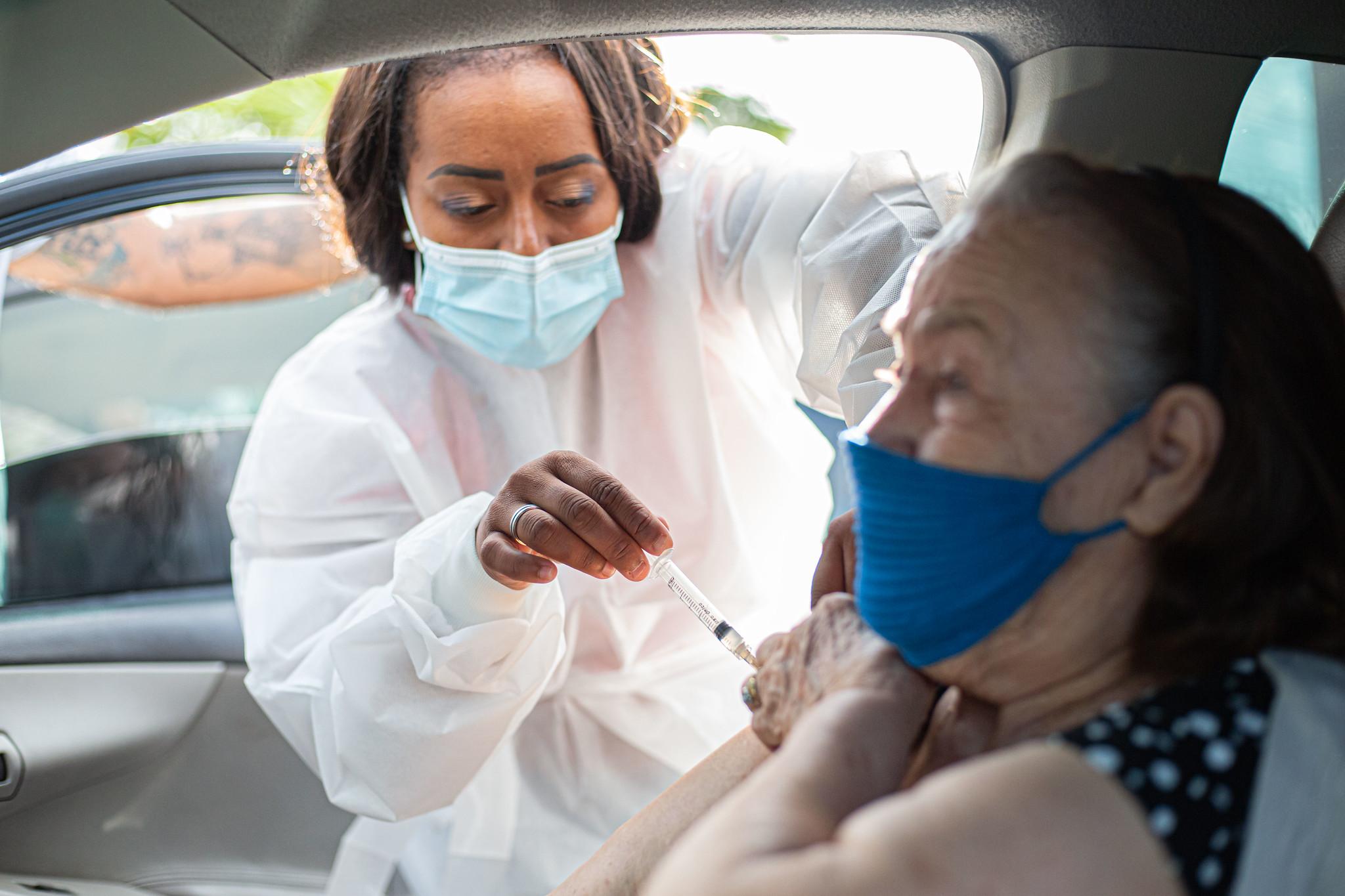 Campanha de vacinação contra Covid-19 para idosos acima de 80 anos começa na próxima segunda-feira (1)